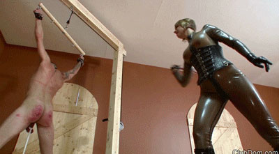 Mistress-Brianna's-spanking-Slave